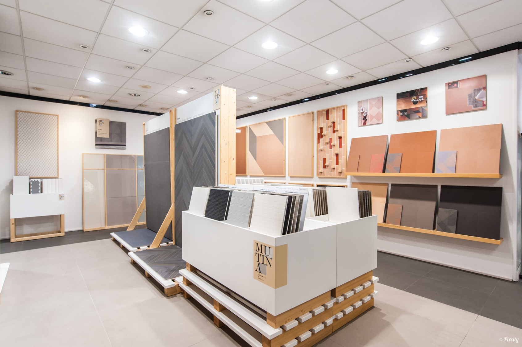 show room 29 kansei. Black Bedroom Furniture Sets. Home Design Ideas