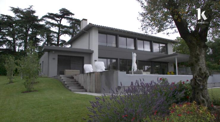 maison d 39 architecte situ e vieille toulouse vid o reportage kansei tv. Black Bedroom Furniture Sets. Home Design Ideas