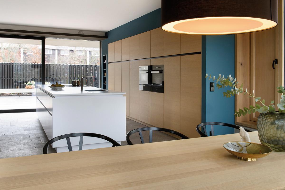 intelligent design revendeur exclusif de cuisines leicht kansei tv. Black Bedroom Furniture Sets. Home Design Ideas
