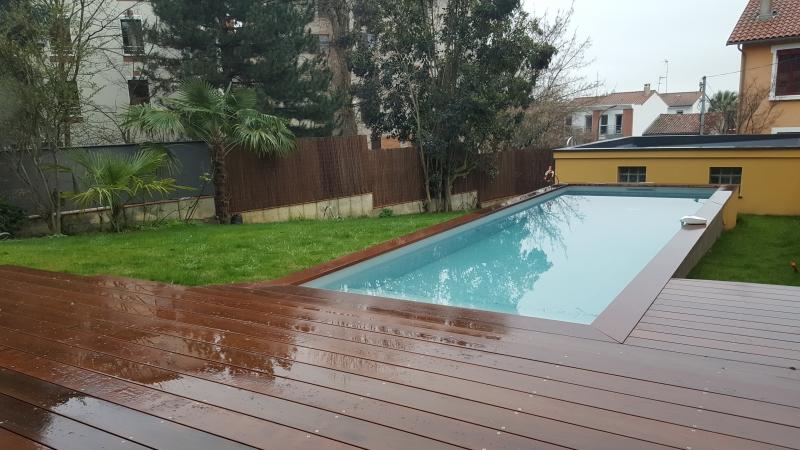 Terrasse Bois En Ipe Autour D Une Piscine Et Habitation A Toulouse