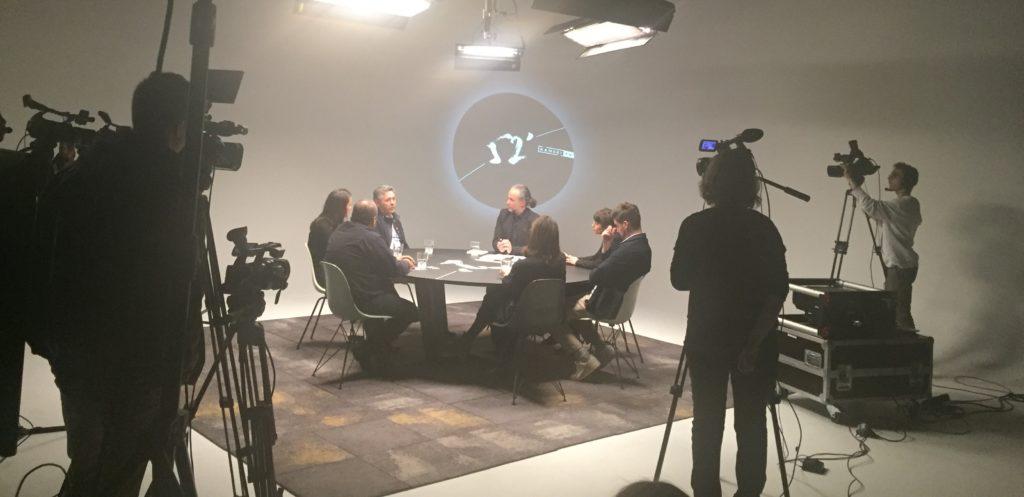 K52′: Table ronde avec 6 architectes