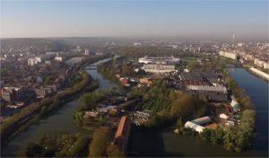 Île du Ramier : l'ancien Parc des expositions de Toulouse en cours de démolition